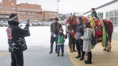 「いわて雪まつり」にチャグチャグ馬コが参加